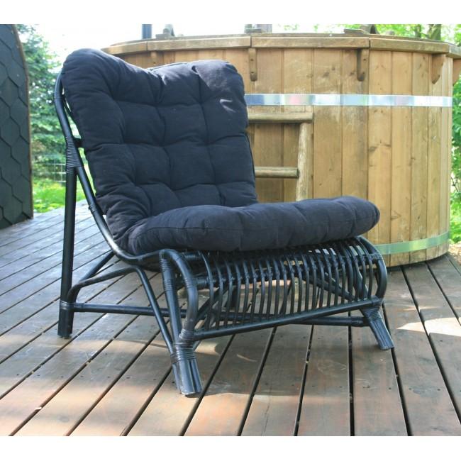 Klitmøller Lænestol i rattan, inklusiv tyk kvalitets hynde.